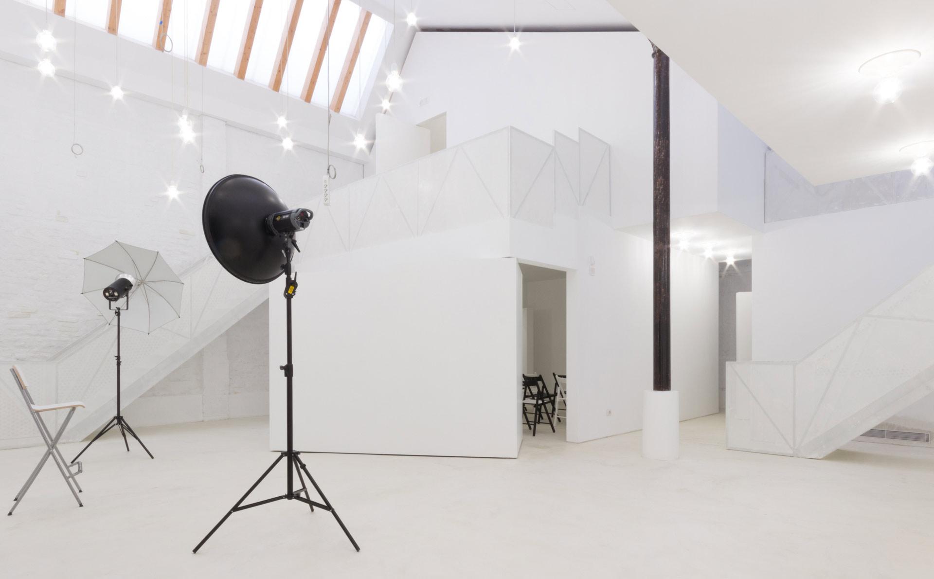 Camere Oscure Milano : Bottega immagine centro fotografia milano noleggio spazi per